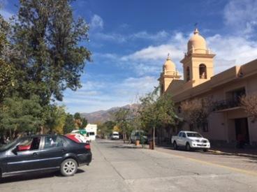Looking into El Cafayate