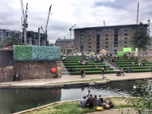 The canal by Granary Square near Kings Cross