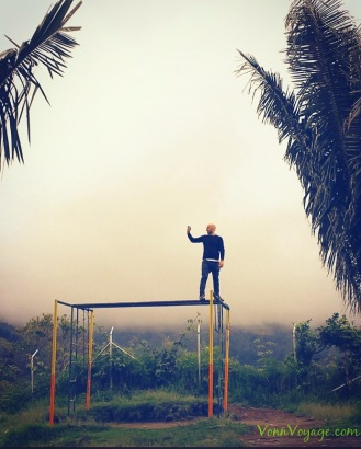 How to take a selfie with a view at the top; jump on top of the climbing frame